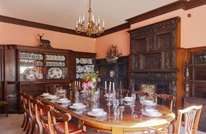 Sugnall Hall (14 Guests)
