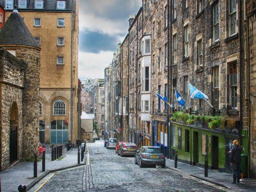 Hot Tub Retreats In Edinburgh