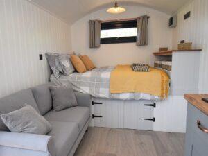 Retreat 27290 – Narberth, Wales