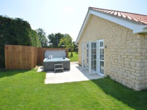 Retreat 27560 – Lincoln, East of England